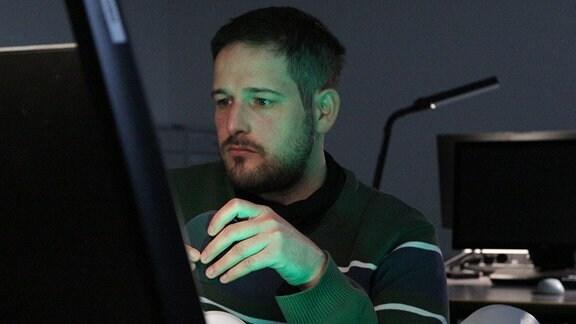 Yuval Rubovitch bei der Recherche im Staatsarchiv