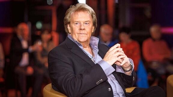Sänger Howard Carpendale anläߟlich der Aufzeichnung der MDR - Talkshow Riverboat am 06.03.2020 im Studio 3 der Mediacity Leipzig.