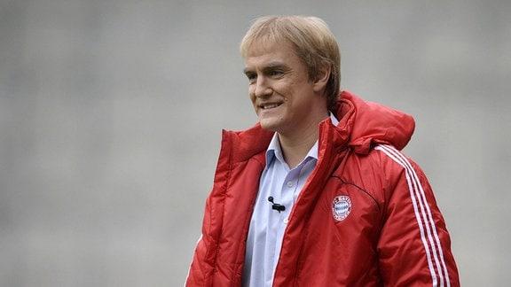 Comedian Matthias Knop als Trainer Jürgen Klinsmann