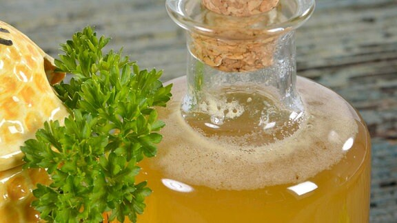 Petersilien-Honig-Wein