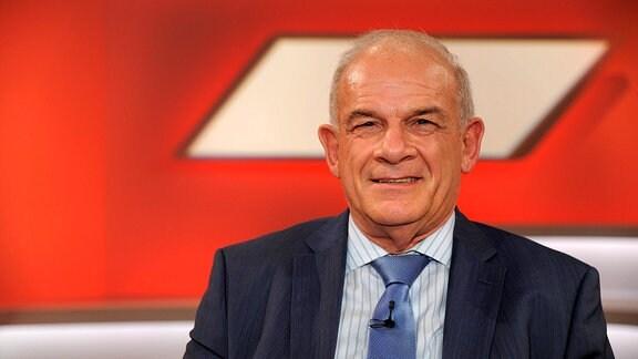 Der langjährige ZDF-Moderator Peter Hahne zu Gast in der ARD Talkshow Maischberger am 13.12.2017 in Köln.