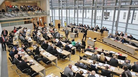 Blick in eine Landtagssitzung Sachsen-Anhalt