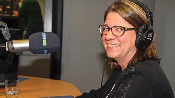Claudia Dalbert, Spitzenkandidatin von Bündnis 90/Die Grünen, im Studio von MDR SACHSEN-ANHALT