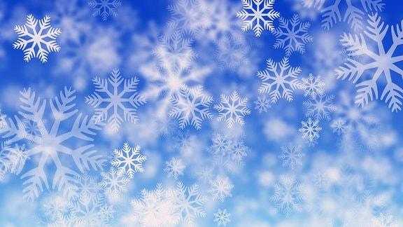 Eiskristalle auf blauem Hintergrund