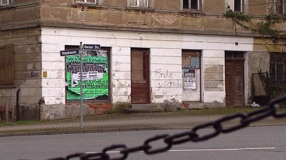 Ein altes, leerstehendes Gebäude