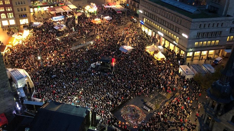 Konzert #HalleZusammen: Zusammenhalt statt Angst   MDR.DE