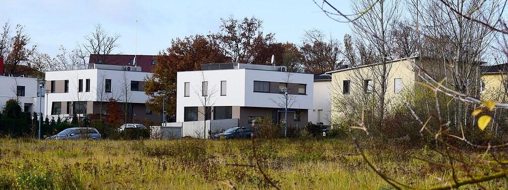 Häuser Im Halleschen Stadtteil Heide Süd.