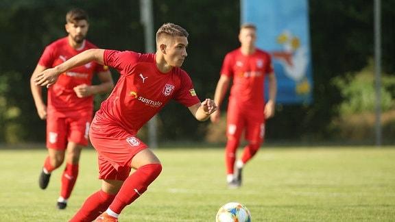 Spielszene Sommertour HFC - VFL Roßbach Benfizspiel