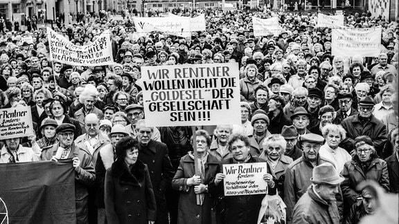Kundgebung auf dem Alten Markt in Magdeburg
