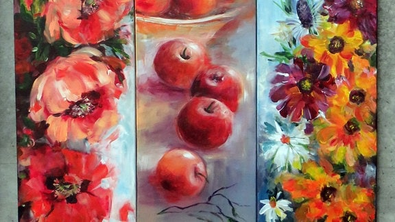 Verschiedene bunte Stillleben (Blumen und Äpfel) auf einem Bild