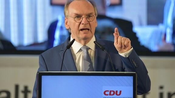 Reiner Haseloff bei einer Rede auf einer CDU-Landesvertreterversammlung in Dessau-Roßlau