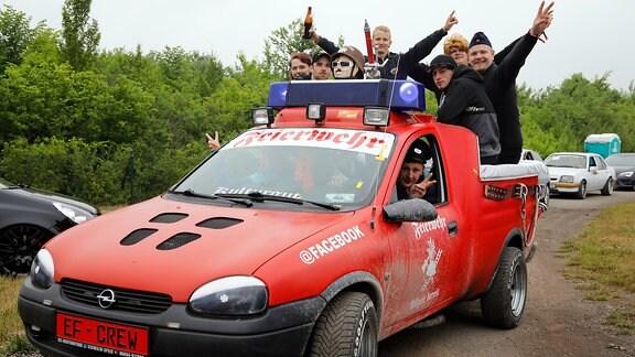 Opel-Liebhaber beim 23. Opeltreffen in Oschersleben vom 31. Mai bis zum 3. Juni