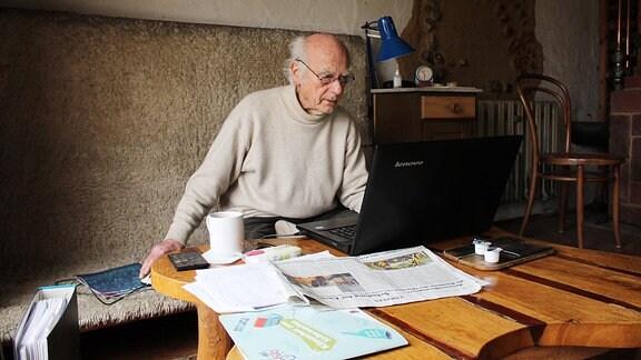 Christfried Lenz ist politisch aktiv und lebt auf einem Hof in der Altmark.