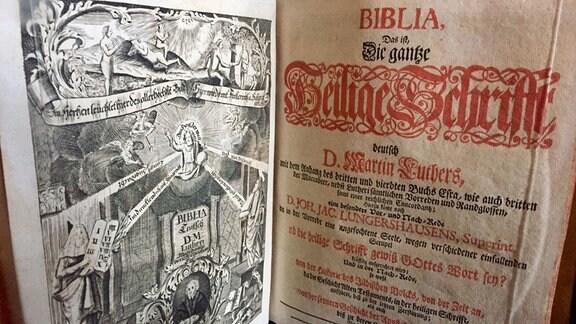 Titelblatt einer Lutherbibel von 1737 aus der Bibliothek des Schlosses Wernigerode.