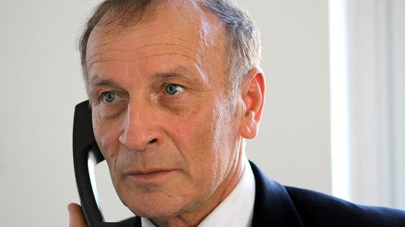 Sülzetals Bürgermeister Jörg Methner am Telefon