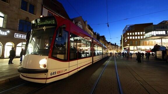 Straßenbahn am Anger in Erfurt, 2012