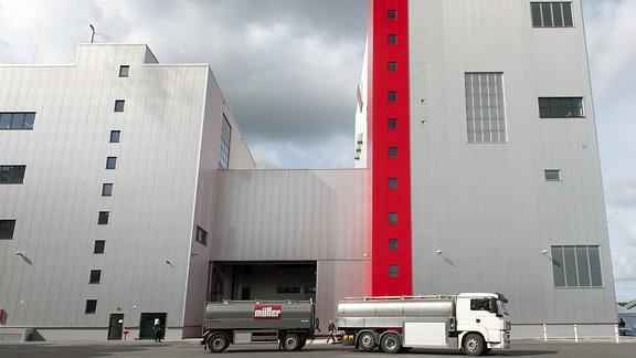 Die Grossmolkerei der Müllermilch Unternehmensgruppe Theo Müller GmbH & Co. KG in Leppersdorf bei Dresden