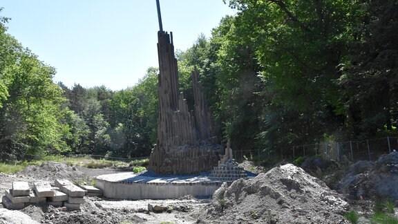Sanierte Basaltsäulen