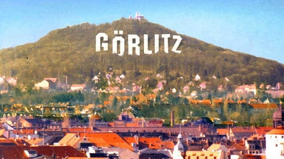"""Postkarte mit Schriftzug """"Görlitz"""" an der Landeskrone"""