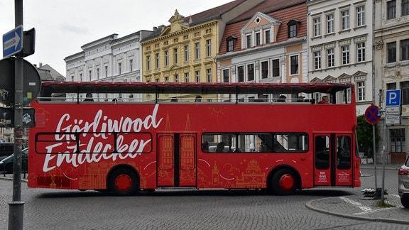 roter Doppelstockbus auf Obermarkt