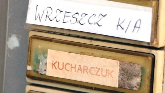 Klingelschild mit polnischen Namen in Görlitz.
