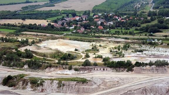 Luftaufnahme von Pödelwitz -Abrissdorf (Sachsen), aufgenommen am 17.08.2013.