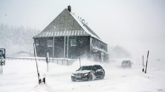 Orkan Friederike Erzgebirge sorgt für extremen Schneesturm und kaum Sicht