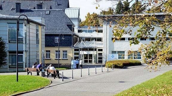 Eingangsbereich des Bergarbeiterkrankenhauses Schneeberg