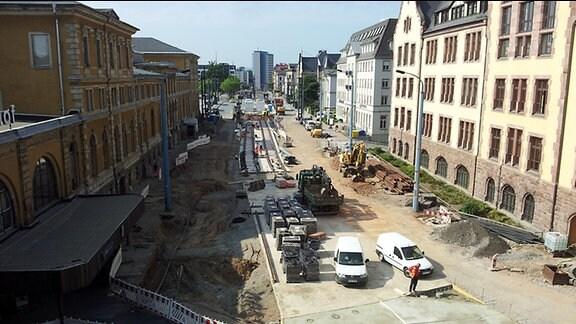 Umbauarbeiten im und vor dem Hauptbahnhof Chemnitz für das Nahverkehrsprojekt Chemnitzer Modell