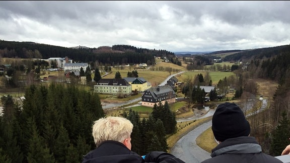 Mauerkrone der Talsperre Rauschenbach nach der Sanierung im März 2015