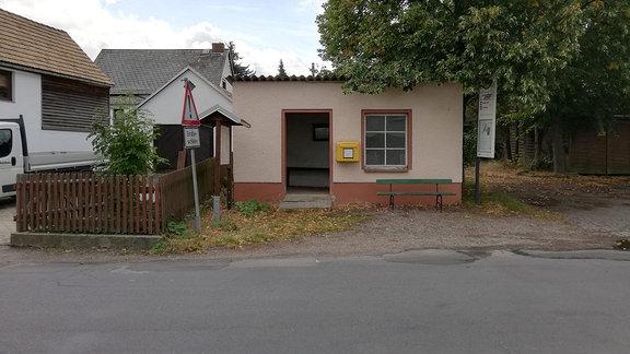 Bushaltestelle Nöbeln