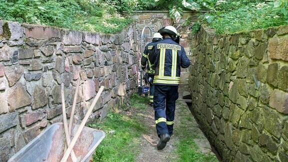 Rettungskräfte am Stolln Rochlitz nach Felsabbruch.