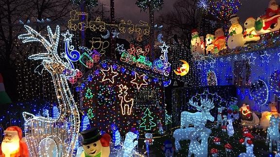 LED-Weihnachtsdeko in Kuhschnappel.