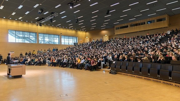 Blick in das Audimax der Technischen Universität Dresden