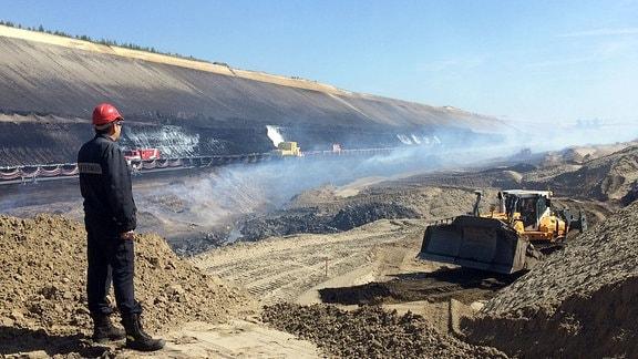 Löscharbeiten im Tagebau Reichwalde