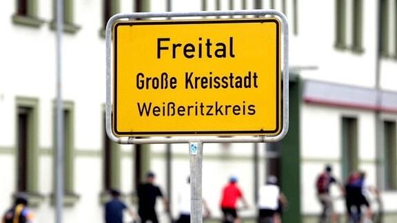 Ortsschild von Freital, 2007.