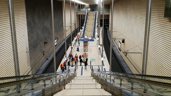 Reinigungsarbeiten im City-Tunnel in Leipzig.