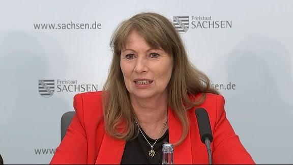 Petra Köpping, Sozialministerin Sachsen