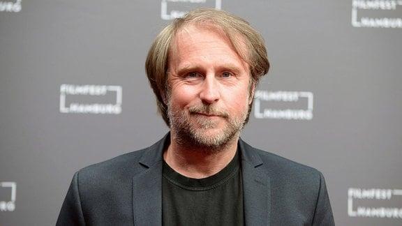Bjarne Mädel bei der Premiere des ARD-Fernsehfilms Sörensen hat Angst auf dem 28. Filmfest Hamburg 2020 im Cinemaxx Dammtor.