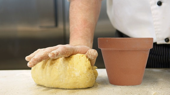 Brot backen im Blumentopf