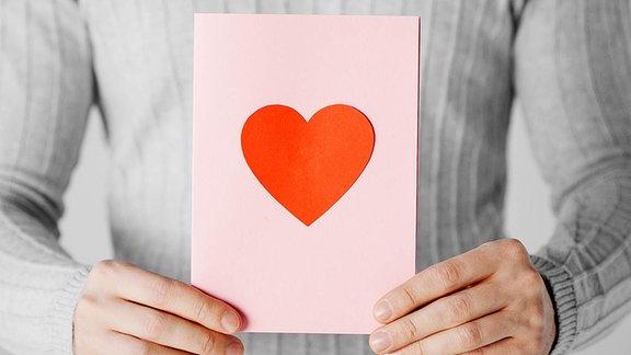 Postkarte mit Herzmotiv