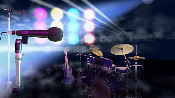 Schlagzeug und Mikrofon auf einer Bühne.