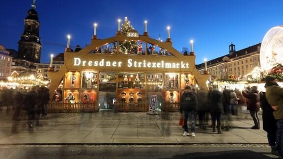 Die Eröffnung des 584. Striezelmarkt Dresden