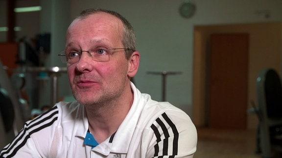 Reportage Ausgebremst - Parkinson mit 40
