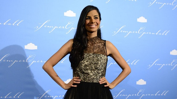 Collien Ulmen-Fernandes beim SemperOpernball