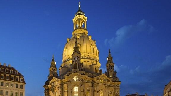 Frauenkirche Dresden in festlicher Beleuchtung