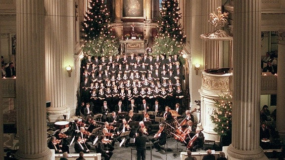 Thomanerchor und Gewandhausorchester unter Leitung von Thomaskantor Christoph Biller