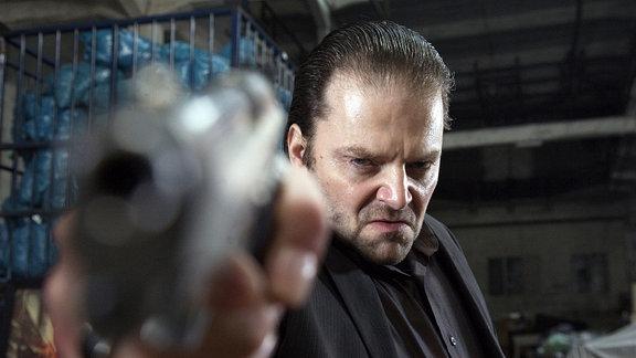 Der brutale Hehler Hoogland (Victor Löw).