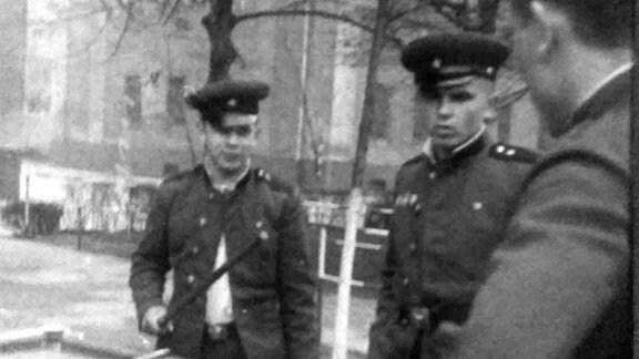 Auch das gab´s bei der Sowjetarmee in Magdeburg - Billard nach Dienstschluß.