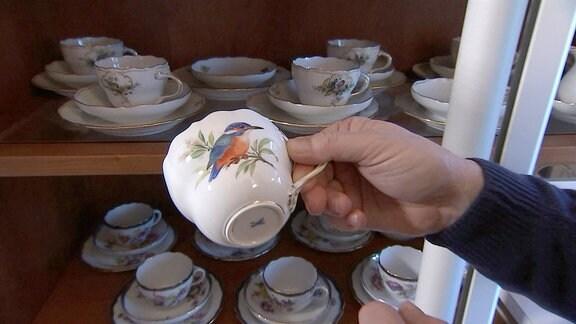 Uwe Steimle erzählt uns erstmals über seine ganz private Porzellanleidenschaft und öffnet die Schränke, um seine persönlichen Lieblingsstücke zu zeigen.